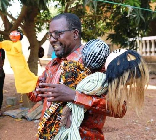 Check Amadou  KOTONDI et ses marionnettes